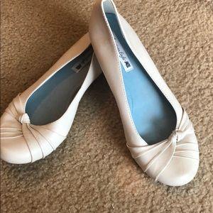 Women's ballerina slip on